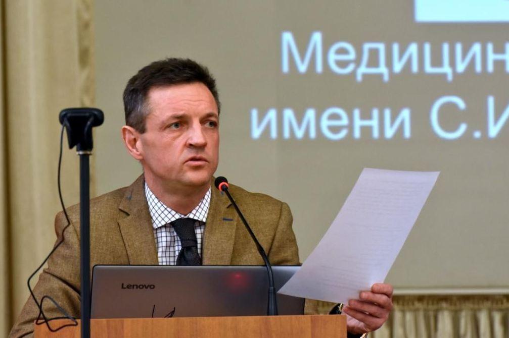 В Минздраве Крыма поручили увеличить зарплаты молодым медикам