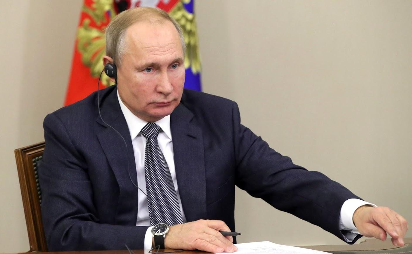 Путин оценил работу нового медцентра в Симферополе