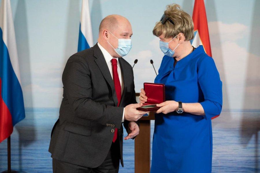 В Севастополе наградили медицинских сотрудников, которые работали в период пандемии COVID-19