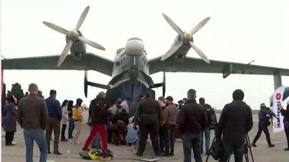 Рекорд России: крымский силач протащил за собой самолёт весом более 31 тонны. Видео