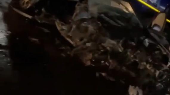 Под Симферополем случилось ДТП: Автомобиль снёс столб