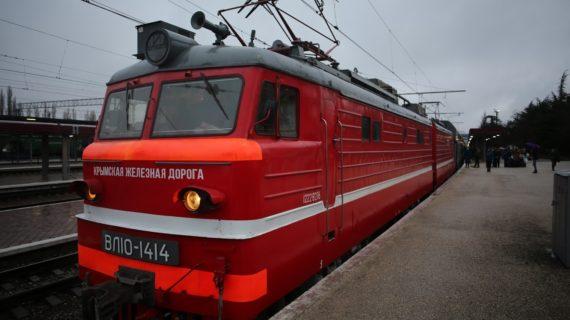 В Крыму активно защищают железнодорожные вокзалы от распространения коронавируса