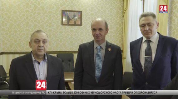 Заместитель Председателя Совета министров Крыма Георгий Мурадов провел встречу с руководством Русинского движения
