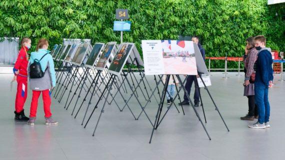 В аэропорту Симферополя открылась выставка в честь седьмой годовщины Крымской весны
