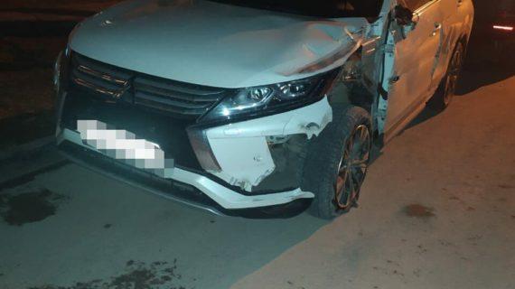 "60-летний мужчина на иномарке сбил мотоциклиста на ""харлее"" и скрылся"