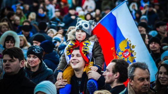 «Я россиянин, а не хохол»: Крымчанка рассказала, как внук отреагировал на воссоединение Крыма с РФ