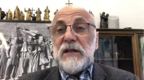 Автор памятника «Вежливым людям» в Симферополе считает, что скульптуру надо дополнить фигурой моряка и казака