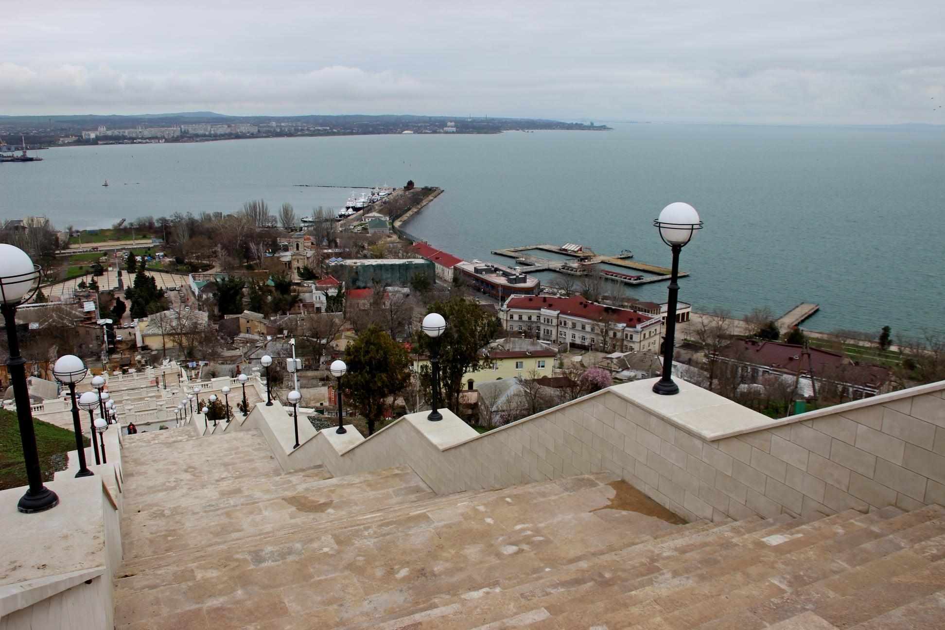 По Митридатской лестнице в Керчи пройдёт факельное   шествие