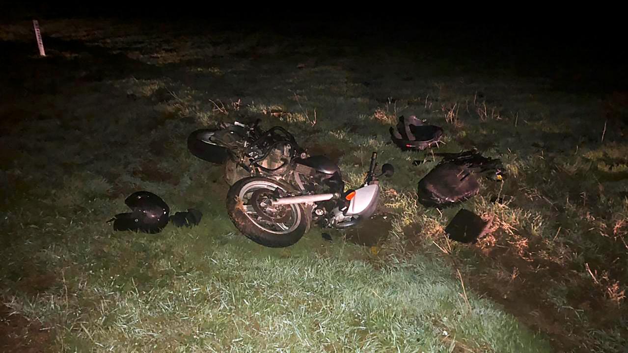 В Черноморском районе мотоциклист без прав не справился с управлением и перевернулся