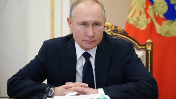 Президент России поручил продлить программу туристского кешбэка до конца года