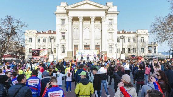 В Севастополе два раза в неделю проводят общегородскую зарядку