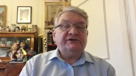 Профессор Финансового университета при Правительстве РФ рассказал, как инициативы Путина позволят решить проблемы с бедностью в России