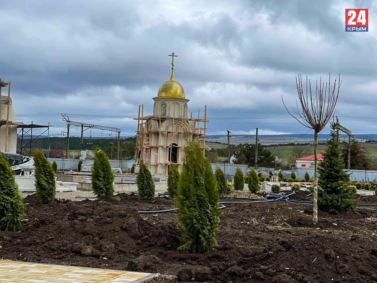 В мемориальном комплексе «Путь возрождения народов Крыма» в посёлке Сирень Бахчисарайского района установят памятник, символизирующий молебен.