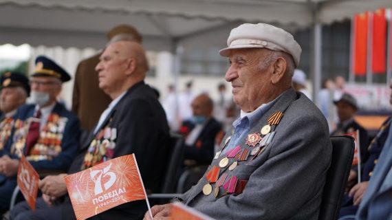 Ко Дню Победы власти Севастополя выплатят детям войны по тысяче рублей