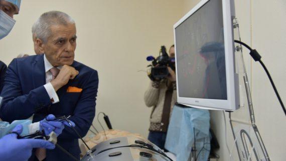 Экс-глава Роспотребнадзора назвал пандемию коронавирусной инфекции «интеллигентной»