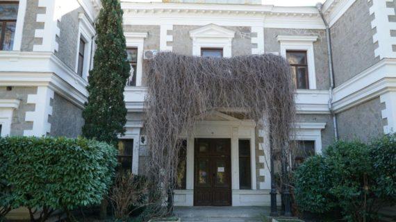 Застройщик согласен разработать проект реконструкции дворца Кузнецова