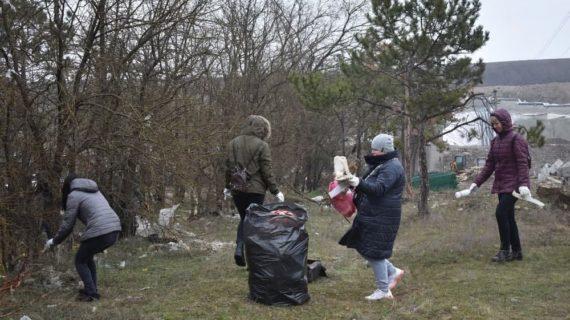 В Симферополе прошёл общегородской субботник