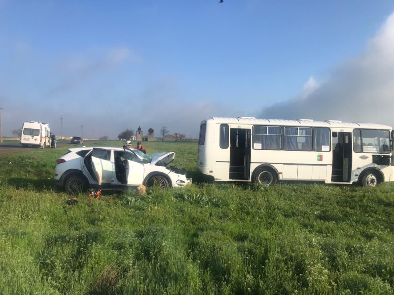 В Крыму произошло ДТП с пассажирским автобусом. Есть пострадавшие