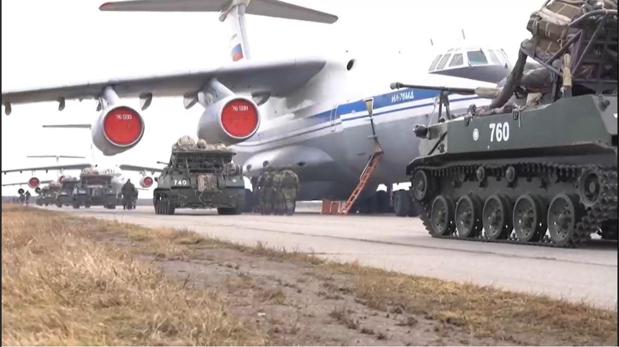 Министр обороны России прибыл в Крым на масштабные межвидовые учения войск ЮВО И ВДВ