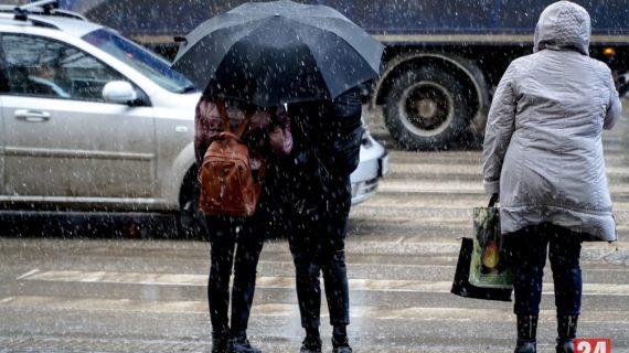 Дожди, грозы и сильный ветер: в Крыму объявили штормовое предупреждение