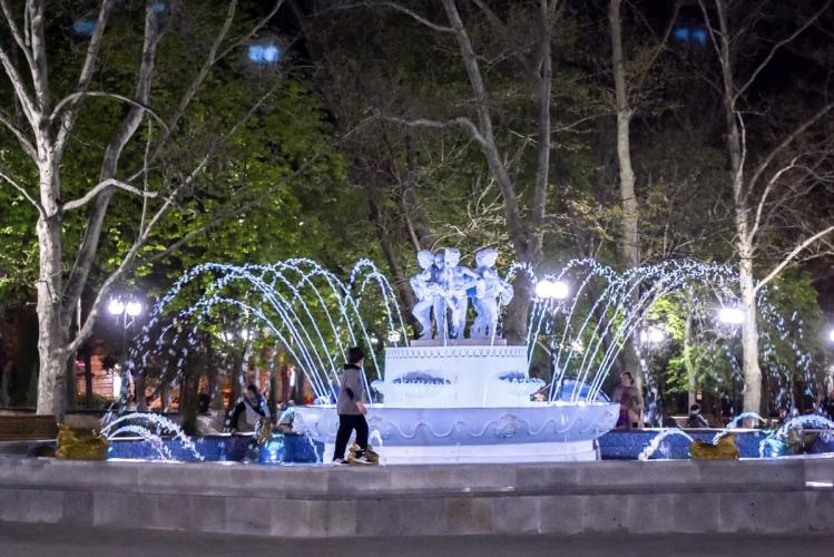 В Севастополе начинают работать фонтаны