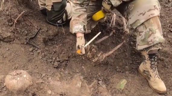 В Феодосии поисковики нашли останки солдат Красной армии