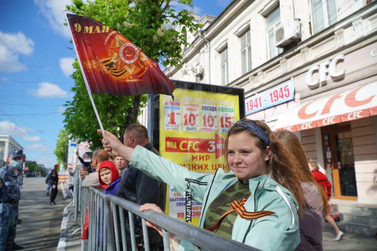 На Парад Победы в Симферополе пришло посмотреть порядка 3,5 тысяч человек