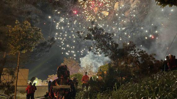 В Севастополе и Симферополе прогремел праздничный салют в честь Дня Победы. Фото, видео