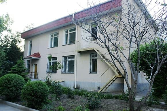 Полиция оцепила колледж в Симферополе из-за сообщения о минировании