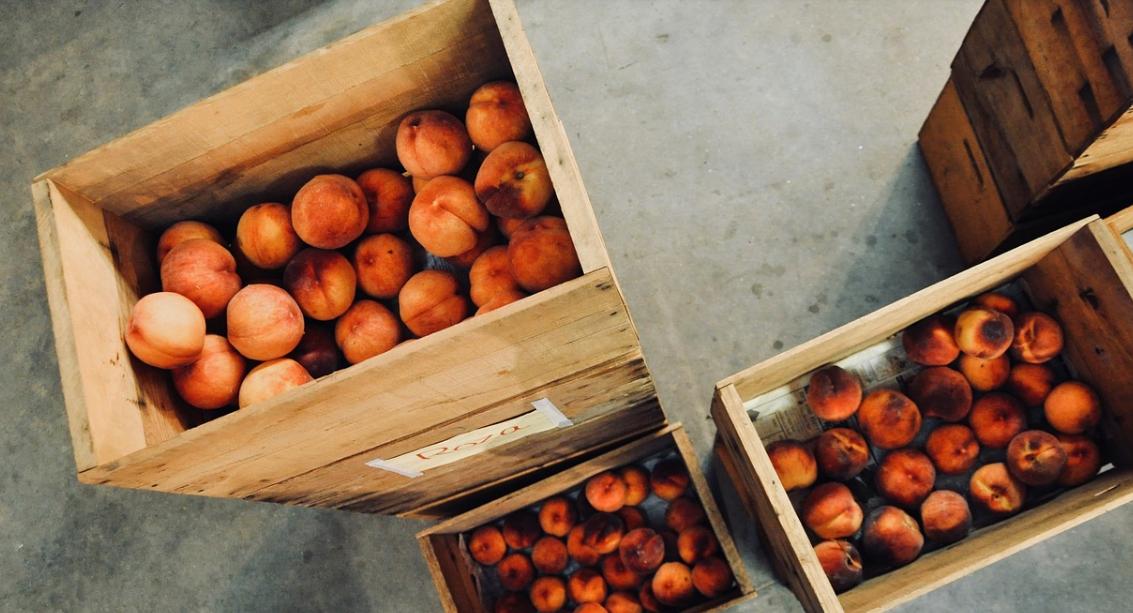 В Крыму опровергли информацию о дефиците в этом году персиков и абрикосов