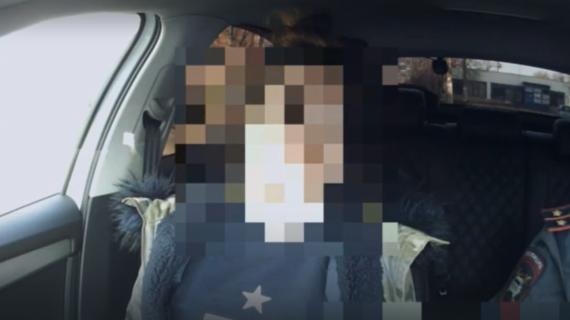 «Что мы плохого сделали?» В Крыму задержали женщину-водителя под наркотиками