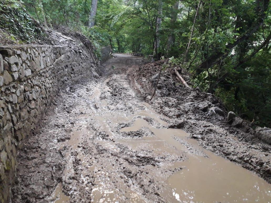 Тропу к водопаду Учан-Су всю ночь расчищали после потопа