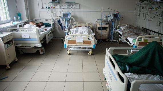В Крыму из-за коронавируса до 15 августа приостанавливают диспансеризацию и профосмотры