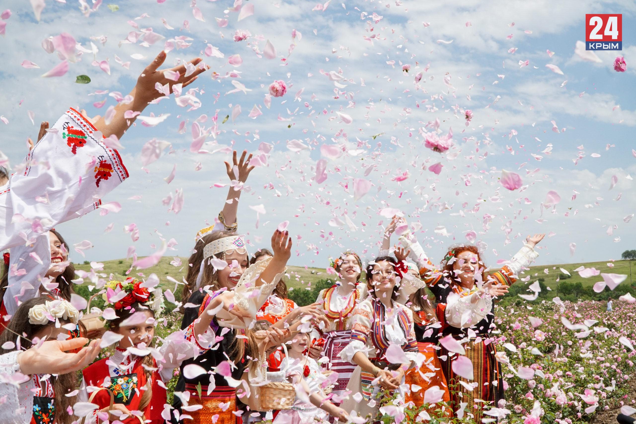 Болгарский «эфиромасличный» фестиваль «Розафест» стартовал в Крыму. Фоторепортаж