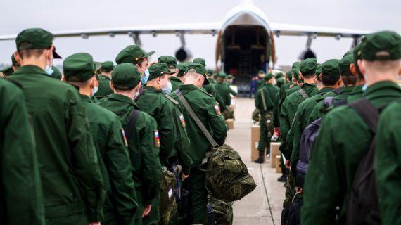 В Ялту хотят дополнительно привлечь несколько тысяч военных, которые помогут привести город в порядок