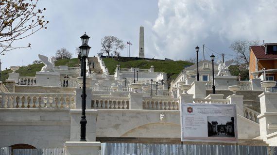 Митридатские лестницы пережили потоп в Керчи без повреждений. Фото
