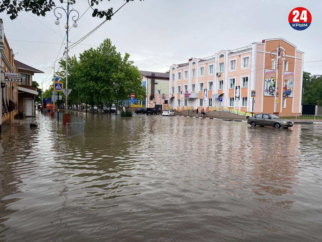 Затопленные дома, отсутствие электричества и газа. Что сейчас происходит в Керчи