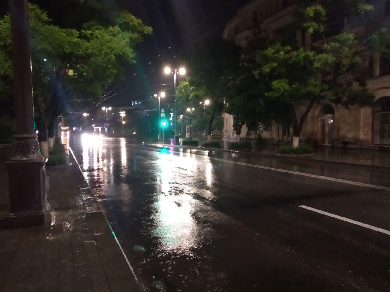 В Севастополе усиливается дождь. Экстренные службы в полной готовности