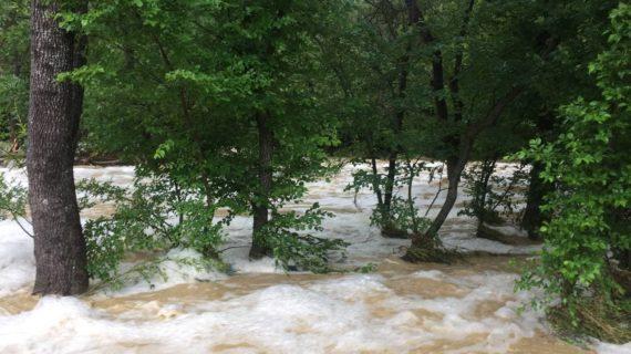 Ситуация в Севастополе 18 июня 2021: затопило парковки и дамбу, сильный ветер. Прямая онлайн-трансляция