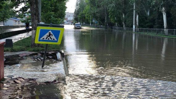 Пострадавшую из-за потопов инфраструктуру восстановят в Крыму до конца 2022 года