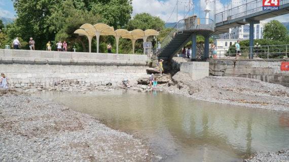 Власти Ялты создали 9 рабочих групп для подсчёта ущерба городу после потопа