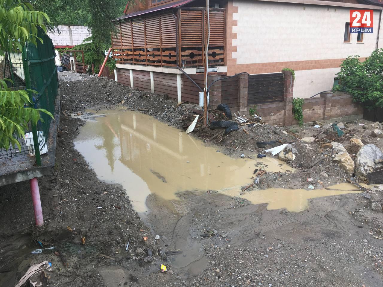 Власти Ялты хотят признать 5 домов аварийными после потопа