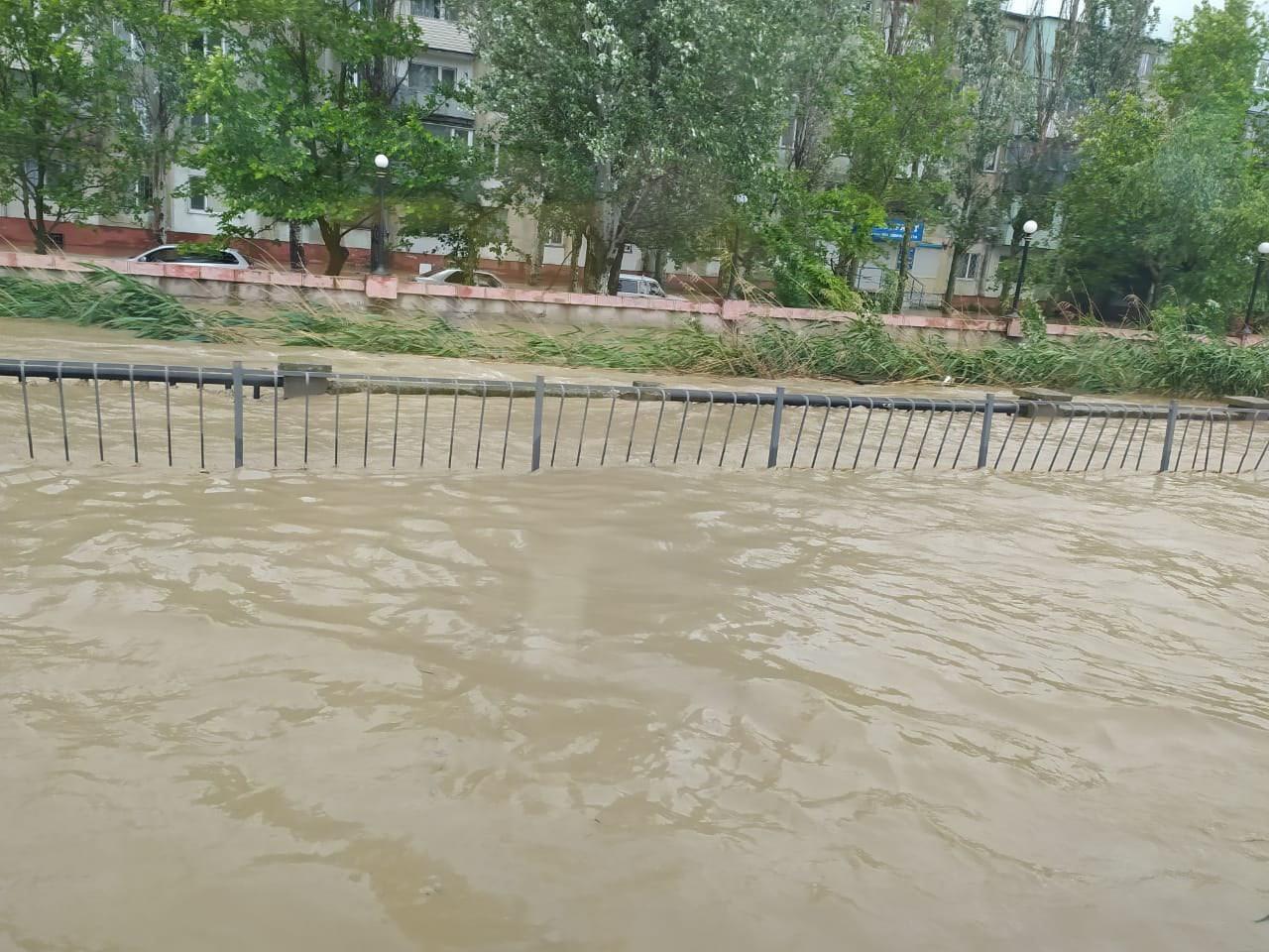 Жители Керчи и Ленинского района получат материальную помощь из-за потопа