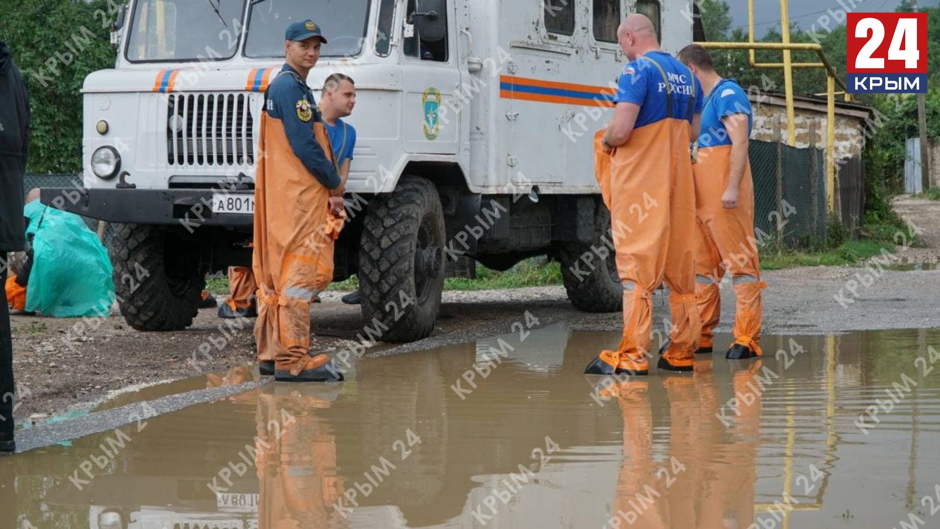 Поваленные деревья и подтопленные дома: Что сейчас происходит в посёлке Куйбышево