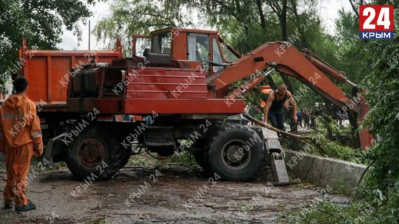 На Ай-Петри со стороны Бахчисарая не пускают автомобили с туристами из-за наводнения