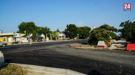 Отремонтированный участок четырёхполосной дороги в Саках не до конца решил проблему с пробками до Евпатории