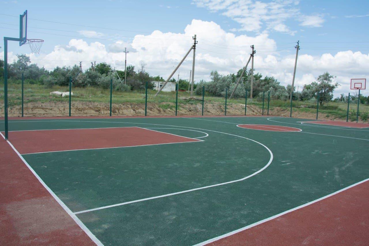 В селе Заветное Ленинского района открыли спортивную площадку