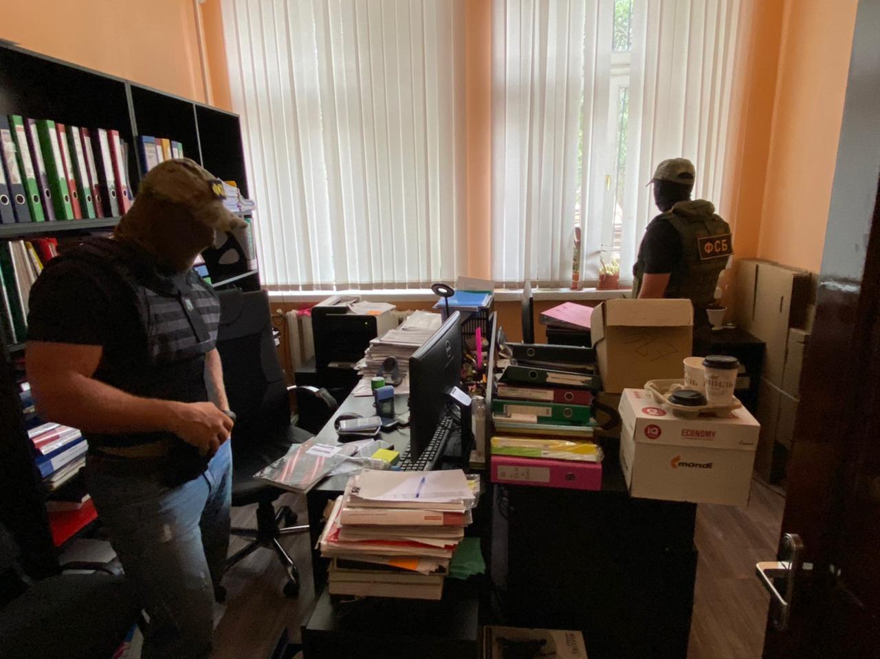 В Симферополе сотрудники ФСБ и Следкома накрыли сеть подпольных игровых залов
