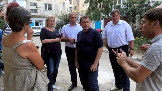 В Феодосии за несколько дней решат проблему с уборкой мусора в городе