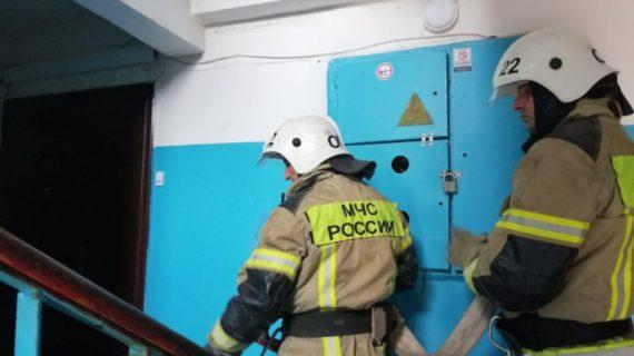 На пожаре в Евпатории эвакуировали 20 человек